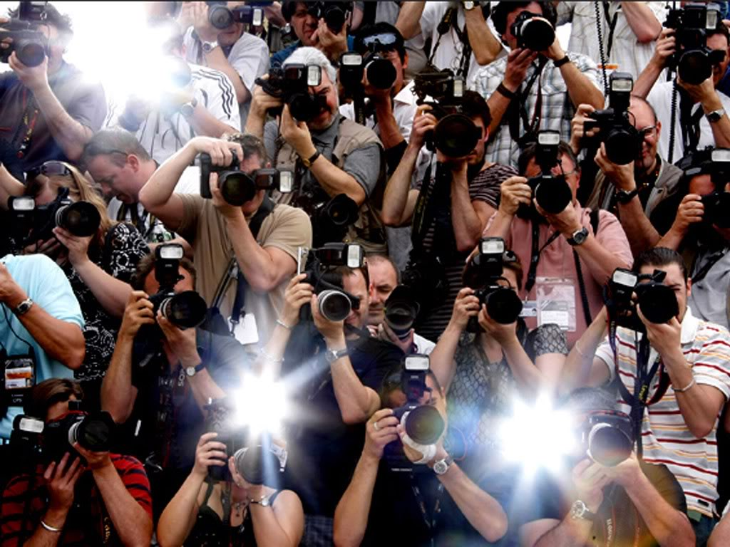how does the paparazzi affect celebrities Celebrities need to change the way they act and how they are viewed their actions have more of an effect on us then many people believe they have thin, addicted celebrities are changing the way .